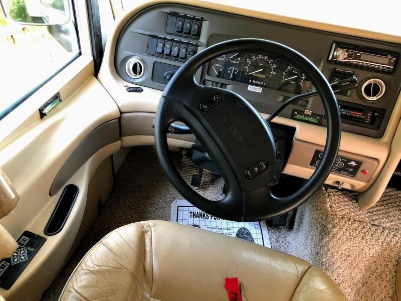 1998 !!!PENDING SALE!!!  Fleetwood RV Pace Arrow Vision 34C Class A RV