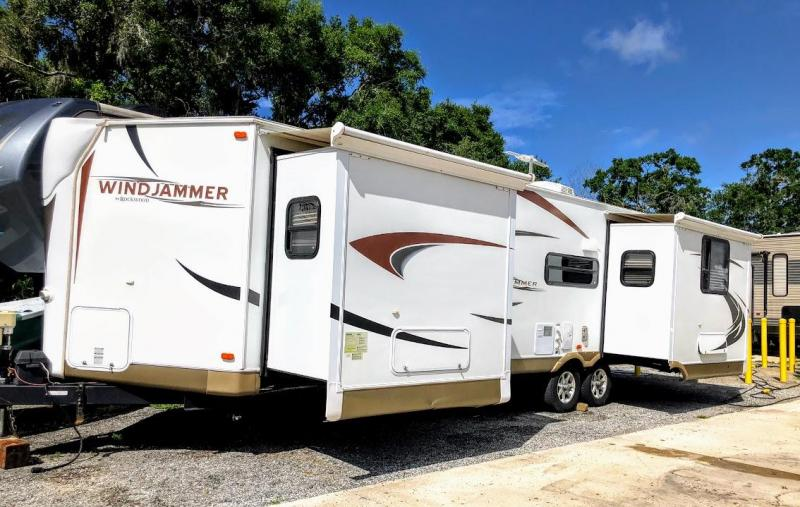 2012 Forest River Rockwood Windjammer 3065W Travel Trailer