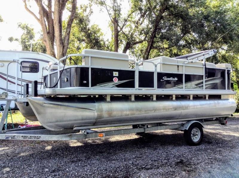 2017 Godfrey Pontoon Boats Sunrise 206CL Pontoon Boat