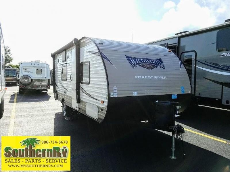 2017 Forest River Inc. Wildwood X-Lite FSX 186RB Travel Trailer