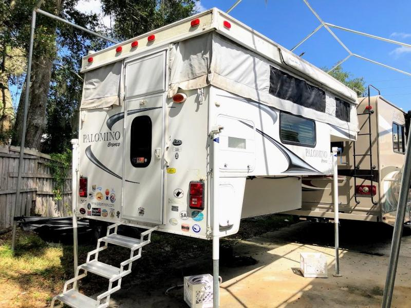 2012 Palomino Bronco 1500 Truck Bed Camper