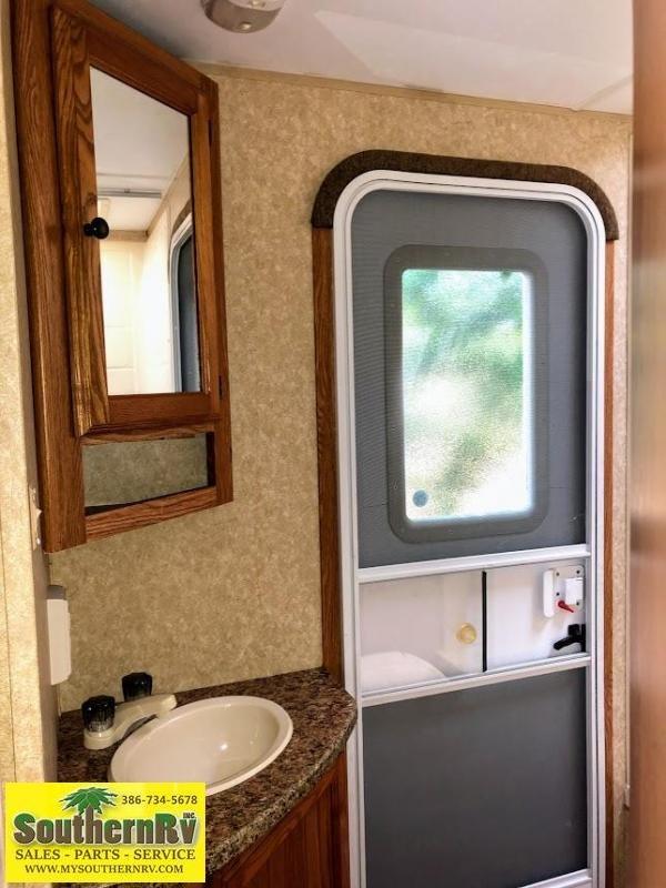 2011 Dutchmen Mfg Colemen 280 BH Travel Trailer