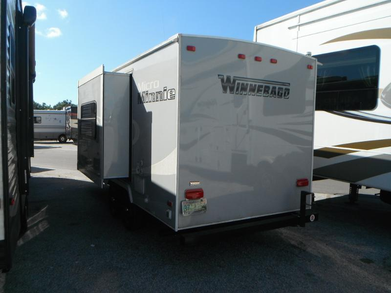 2017 !!PENDING SALE!!  Winnebago Micro Minnie 2106DS Travel Trailer