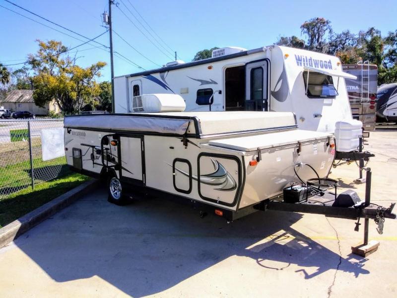 2014 Forest River Rockwood Premier 2516G Popup Camper