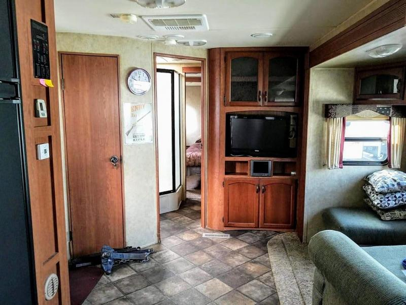 2012 !!!PENDING SALE!!!  Dutchmen Manufacturing Denali 270FK Travel Trailer