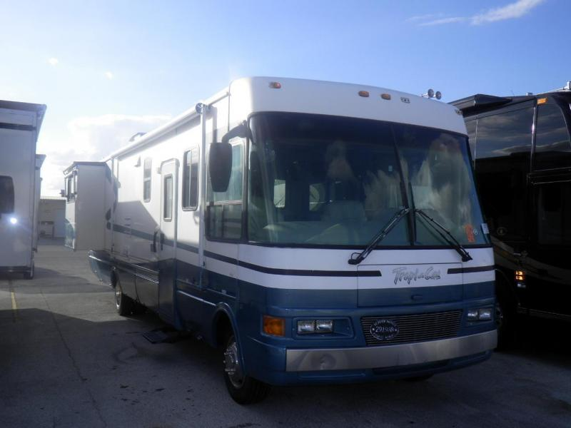 2000 National RV TropiCal 6352 Ford Class A RV