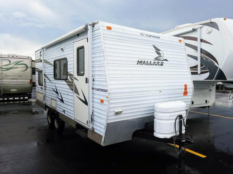 2005 !!PENDING SALE!!  Fleetwood RV Mallard 180CK Bunkhouse Travel Trailer