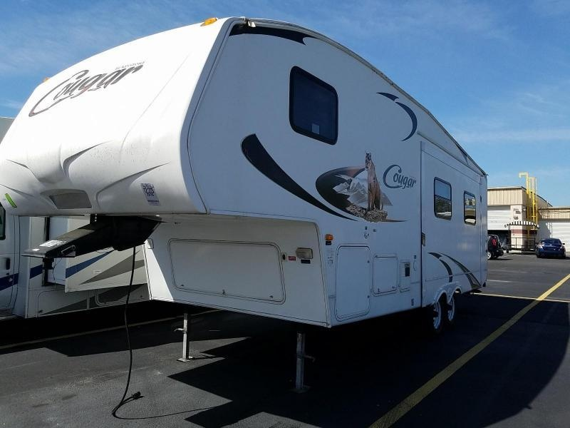 2010 Keystone Cougar X-lite 26RLS 5th Wheel Travel Trailer