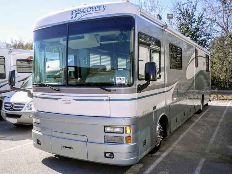 2000 Fleetwood RV Discovery 37G Class A Diesel Motorhome