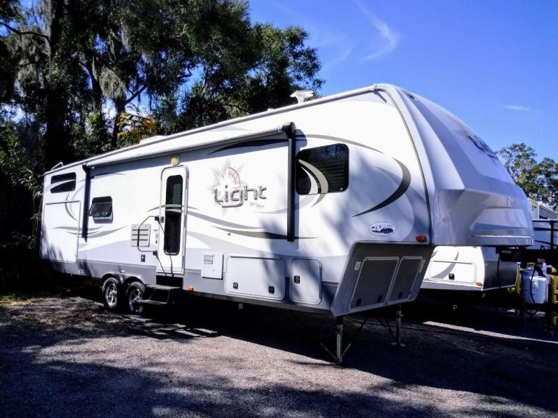 2013 !!!SALE PENDING!!! Open Range Light LF305BHS Bunkhouse Fifth Wheel