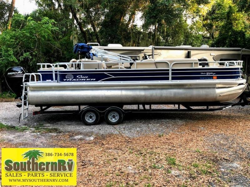 2017 Sun Tracker FB24 FISHIN BARGE 24 DLX Pontoon Boat