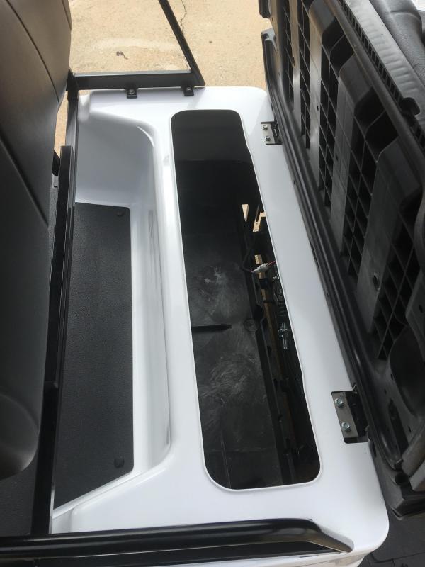 Yamaha Concierge Gas Golf Cart 6 Passenger - White