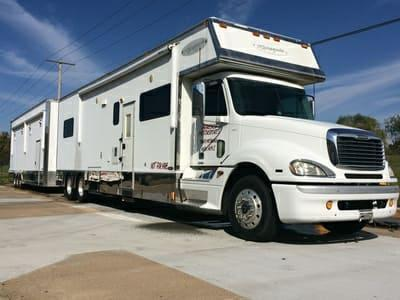 2005 Renegade 34' Tandem Axle Motorcoach