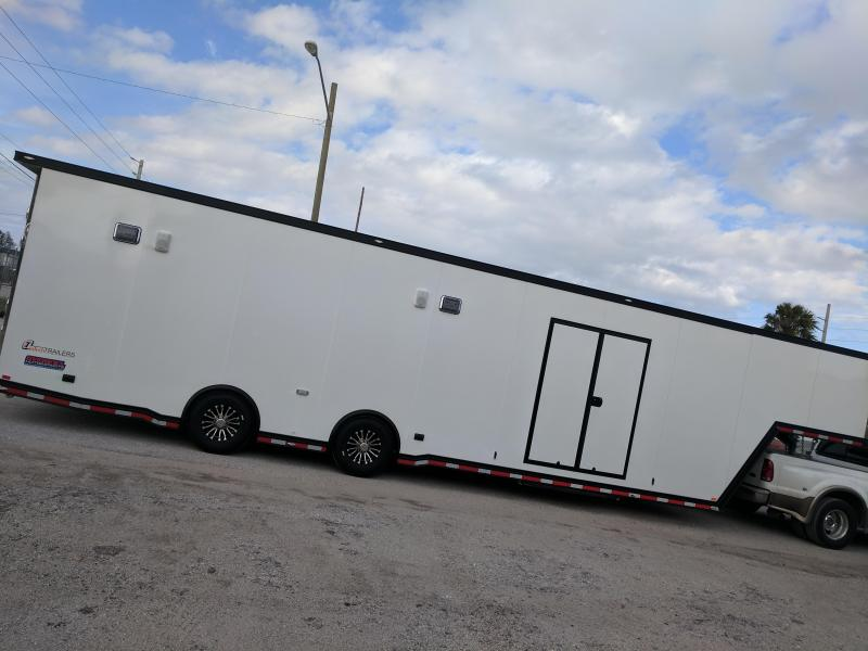 2018 inTech 40' All Aluminum Gooseneck Trailer / Black trim exterior