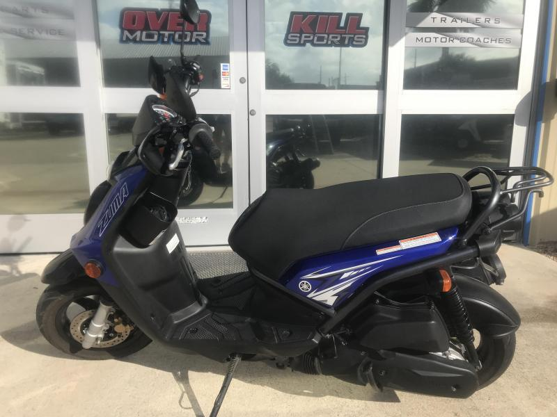 2009 Yamaha Zuma Scooter-Black/Blue
