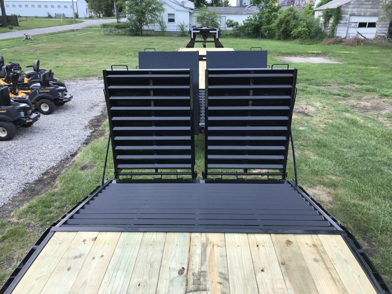 2019 30' CLASSIC FLATDECK WITH MONSTER RAMPS PJ Trailers FD Flatbed Trailer