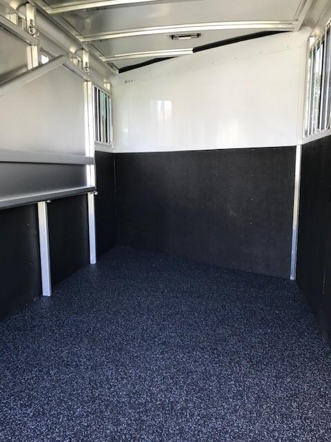 2019 Exiss Express 3H SS Edition BP Horse Trailer