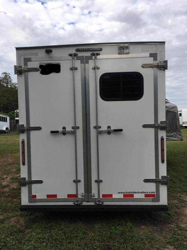 2014 Dixie Star 3H BP w/ 5 LQ Horse Trailer