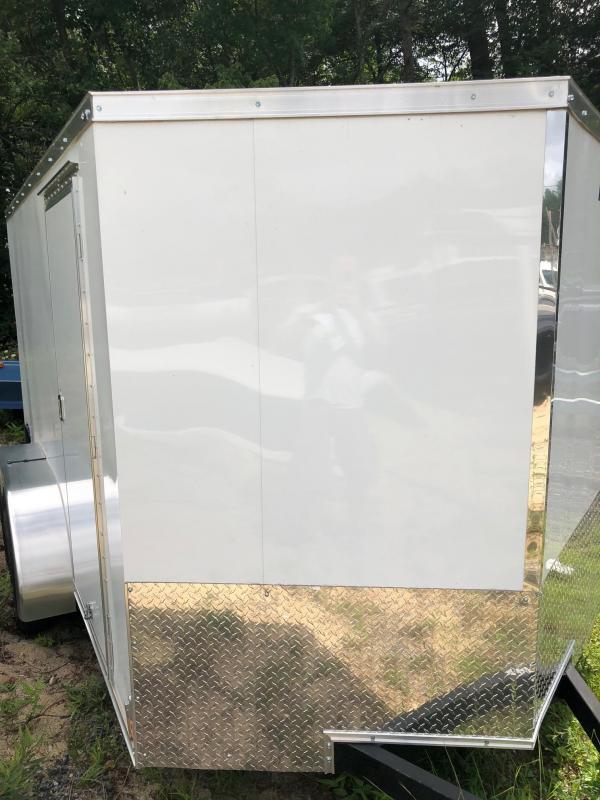 2018 Haulmark HMVG612S (5000 Trim Level) Enclosed Cargo Trailer w/ RAMP - WHITE
