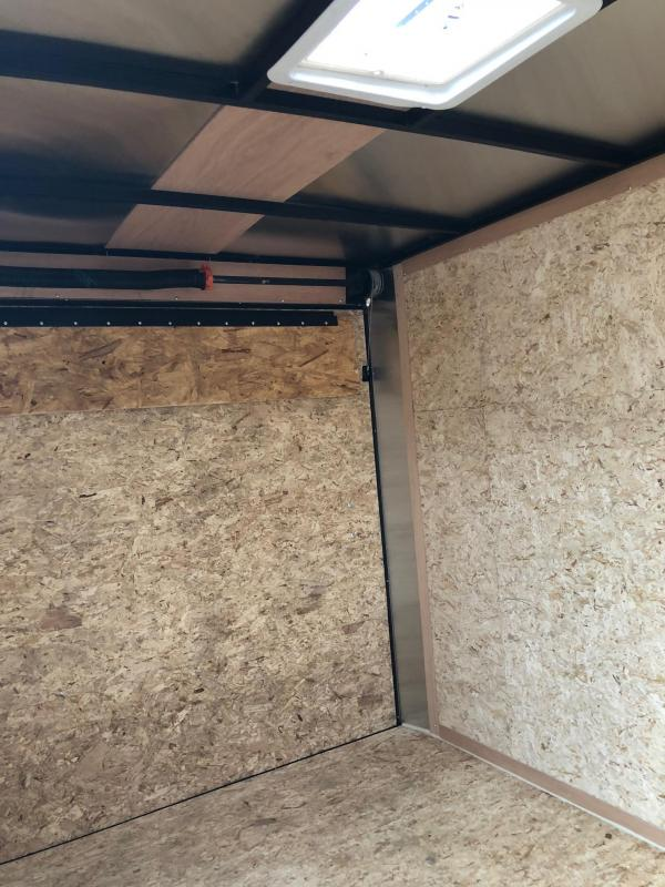 2018 Look Trailers St Cargo Deluxe Cargo / Enclosed Trailer w/ RAMP - WHITE