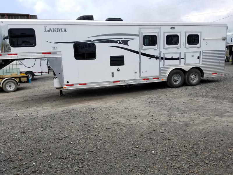 2015 Lakota Corp C839 3H LQ Horse Trailer