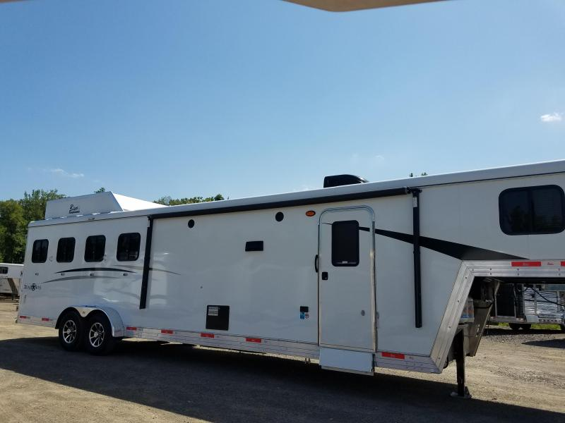 2019 Bison Trailers 7411 TRAIL BOSS Horse Trailer
