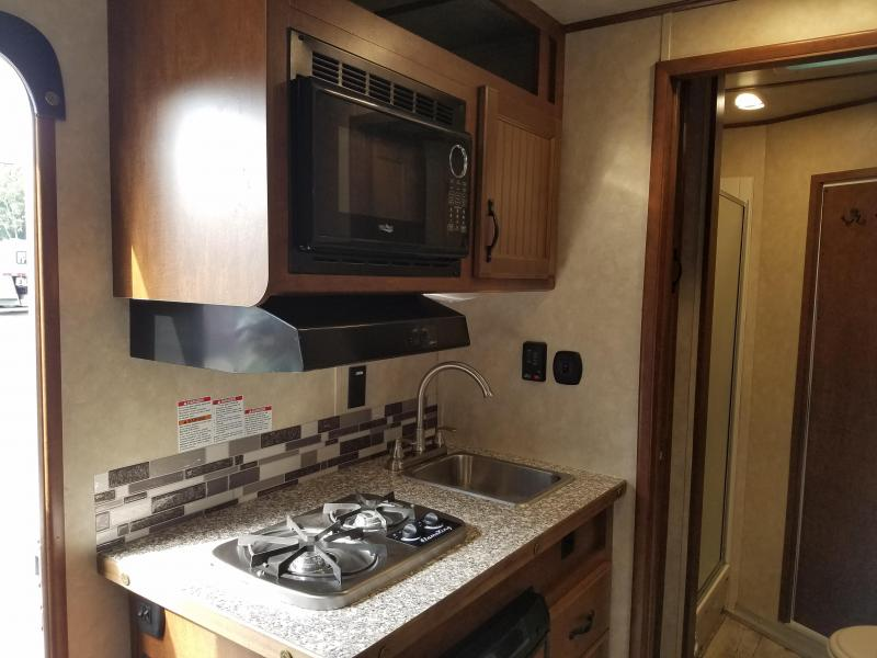 2019 Bison Trailers 7309 TRAIL BOSS Horse Trailer