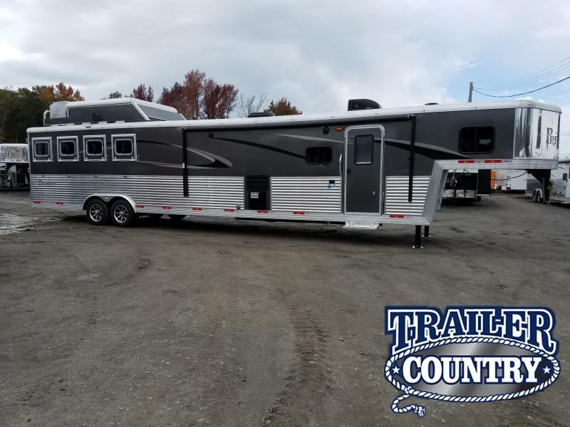 2019 Bison Trailers 4 HORSE PREMIERE Horse Trailer