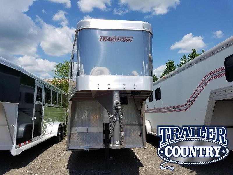 2011 Travalong BANDIT 3H GN SLANT Horse Trailer