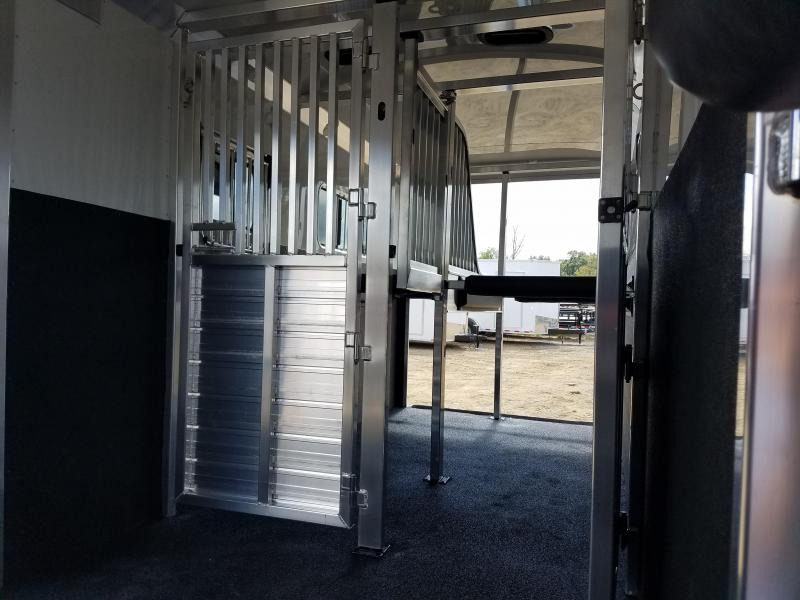 2019 4-Star Trailers 2 HORSE Horse Trailer