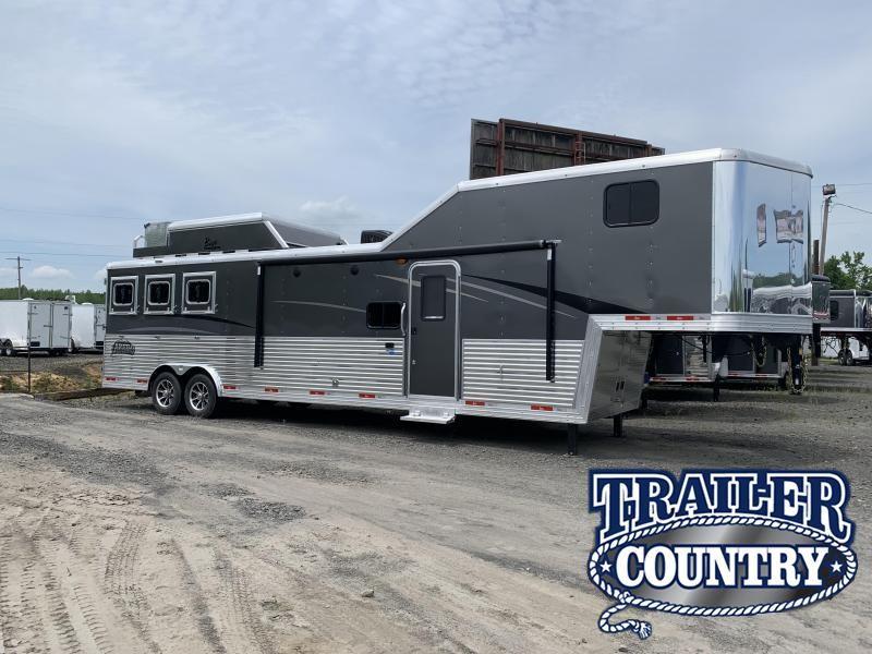 2020 Bison LAREDO Horse Trailer