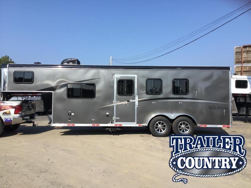 Bison 7306THS 3 Horse Trail Hand Living Quarters Trailer