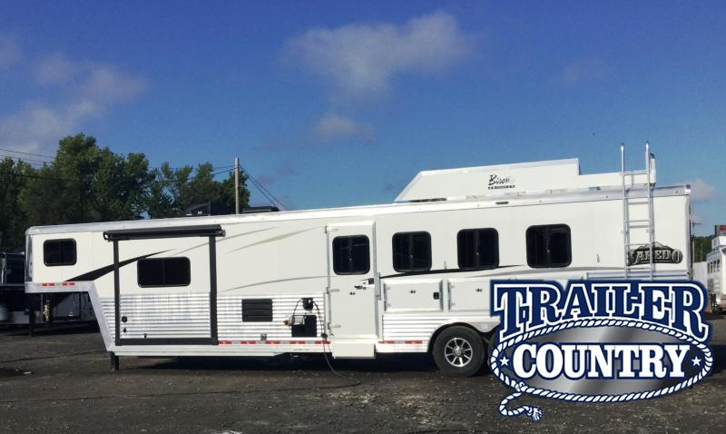 2018 Bison Trailers 8413LDGB SLIDE OUT LAREDO WITH GALLEY BAR Horse Trailer in Ashburn, VA