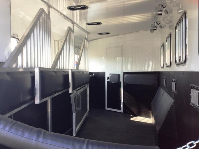 2018 Bison Trailers 8413LDGB SLIDE OUT LAREDO WITH GALLEY BAR Horse Trailer