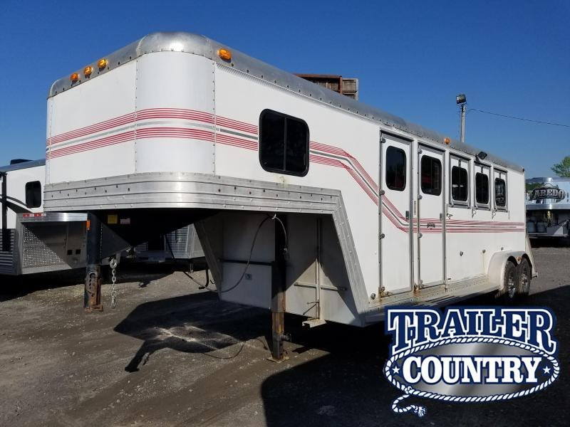 ***HUGE CLEARANCE****1991 Side Kick 4H GN SLANT Horse Trailer