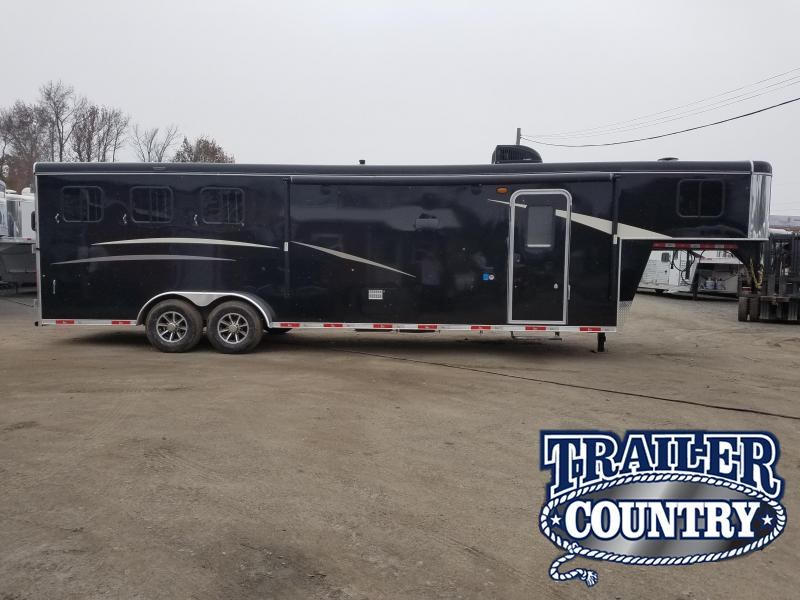 2019 Bison Trailers 7311 TRAIL HAND Horse Trailer