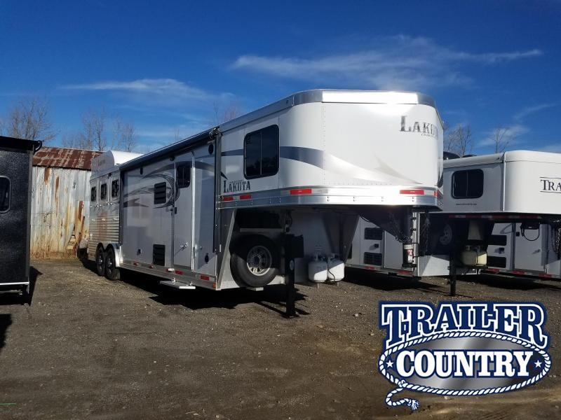 2016 Lakota 8311 CHARGER Horse Trailer