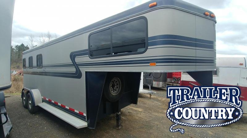 2001 Hawk Trailers 3 HORSE SLANT