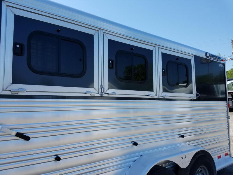 2015 Cimarron Trailers NORSTAR 4H SLANT Horse Trailer