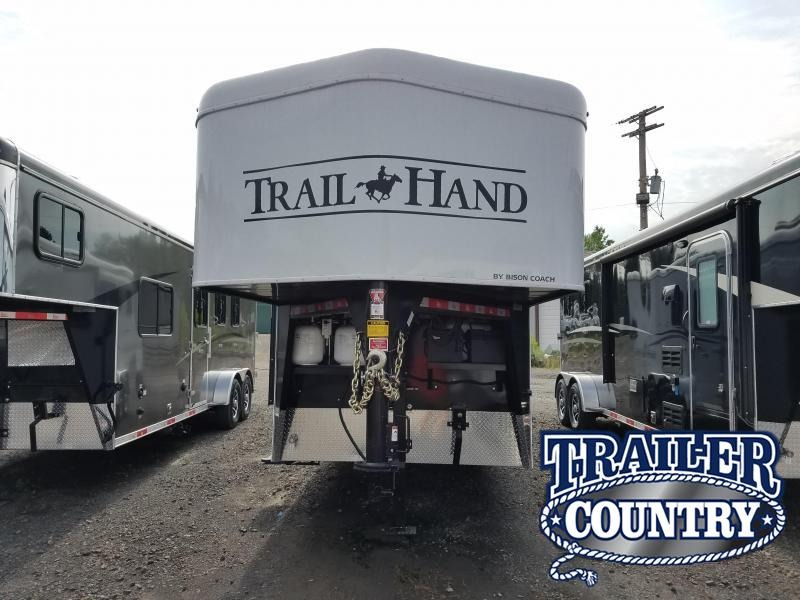 2019 Bison Trailers 7211TH Horse Trailer in AR