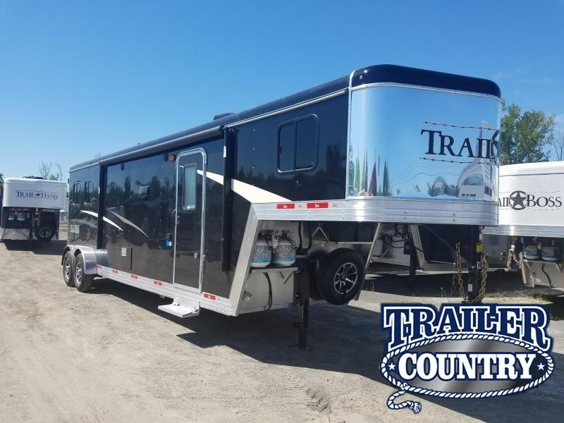 2020 Bison Trailers 7211 TRAIL BOSS Horse Trailer