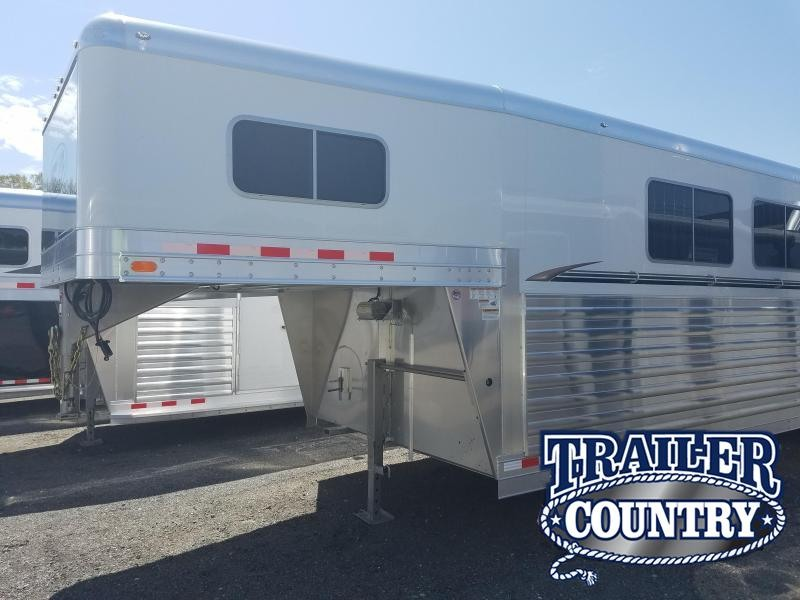 2018 4 Star 6 HORSE HEAD TO HEAD Horse Trailer