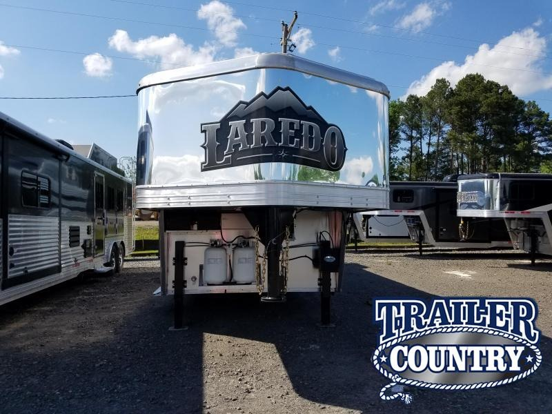 2019 Bison Trailers 8011LDSTLT LAREDO STOCK COMBO WITH 11 SHORT WALL Livestock Trailer in Ashburn, VA