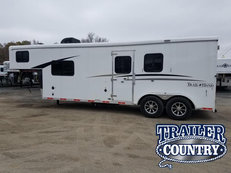 2018 Bison Trailers 7209 TRAIL HAND Horse Trailer
