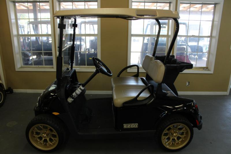 2016 E-Z-GO Freedom RXV Electric Golf Cart