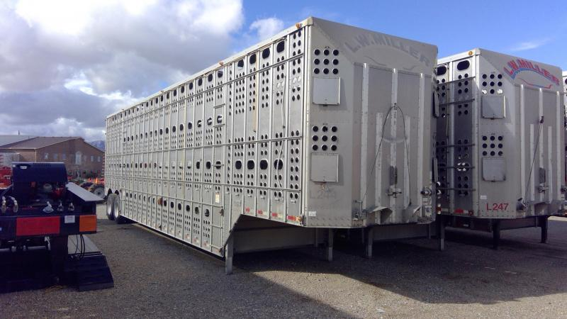 2012 Merritt 48' Livestock Semi Trailer  in Ashburn, VA