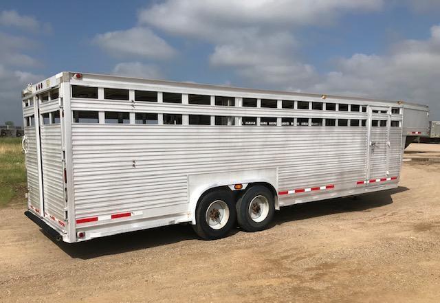2007 EBY Ruff Neck 26' x 8' Livestock Trailer