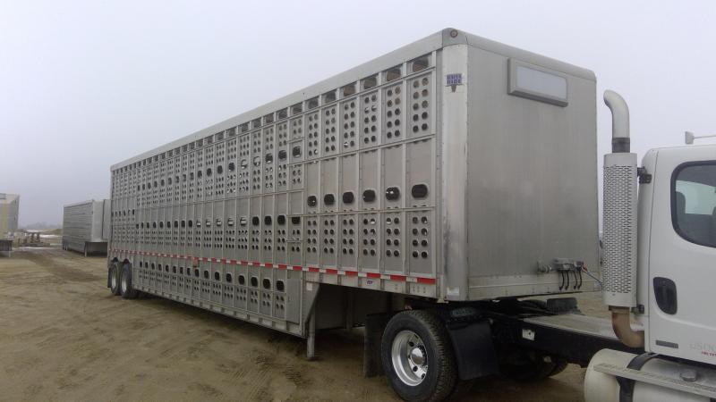2016 Eby 50' Bull Ride Combo Livestock Semi Trailer