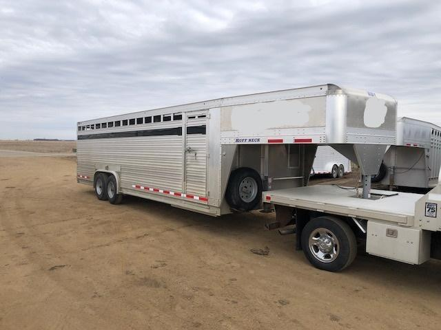 2016 Eby 26' x 8' Ruff Neck Gooseneck Livestock Trailer  in SD