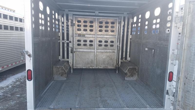 Used 2007 Wilson 32' Tri-Axle Gooseneck Livestock Trailer  Livestock